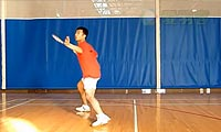 羽毛球步法:正手后退步法