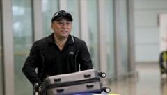国羽归来气氛凝重拒采访 李永波:成绩反映水平