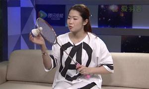 汪鑫节目秀拍柄颠球技艺。