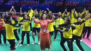 3-2险胜印尼,泰国队魔性尬舞,因达农舞姿亮了