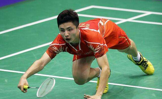 石宇奇VS林丹 2018羽毛球世锦赛 男单1/8决赛视频