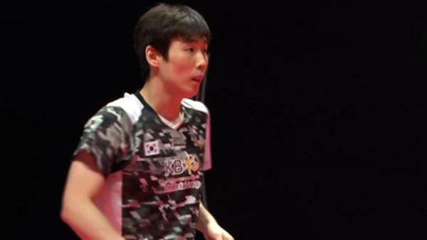 孙完虎VS周天成 2018世界羽联总决赛 男单小组赛视频