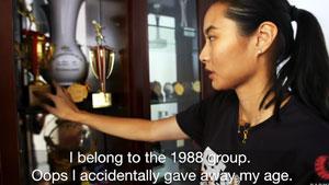 王仪涵22年羽球生涯,奖牌竟装满整整3大书柜!