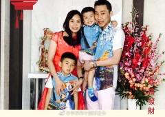 李宗伟、女神吴柳莹祝大家新年快乐