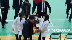 揪心!孫完虎腳踝受傷擔架抬出,奧運或受影響?