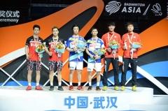 小黄人3-21惨败!国羽两冠日本三金收官丨亚锦赛决赛