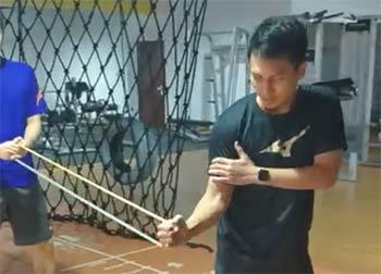 想提高殺球爆發力?阿山教你手臂力量訓練