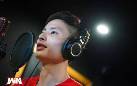 石宇奇翻唱《空白格》MV來了,石頭唱得太好聽了!