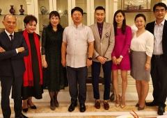 李宗伟退役生活,受邀到中国驻马大使馆用餐