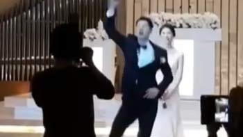 回顾女神金荷娜2018年大婚,帅气新郎现场搞怪热舞