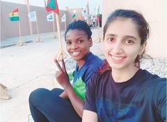 巴基斯坦第一女单,一边完成学业一边打比赛