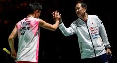 桃田贤斗和辛德胡世锦赛夺冠,被教练盛赞完美!