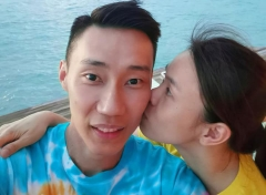李宗伟携妻子度蜜月:欠你的,余生慢慢还