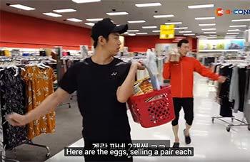 """比赛间歇李龙大柳延星变身""""购物达人"""",超市疯狂扫货"""