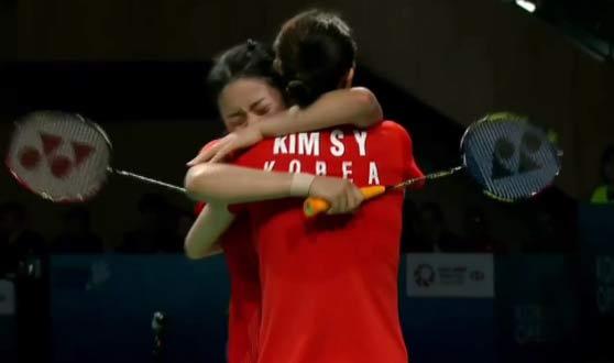 韩国女双决赛打出了男双既视感!全程无尿点!