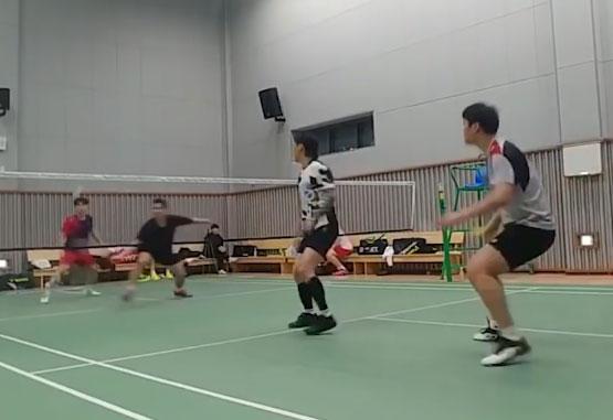 高成炫和幾位業余高手打男雙,跟玩一樣