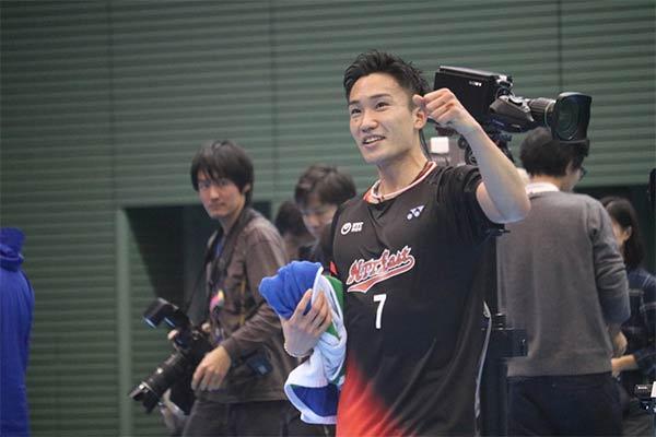 2分钟看完全日本男单决赛,桃田2-0碾压西本!