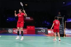 石宇奇2-0刘国伦,国羽女单全军覆没丨泰国大师赛