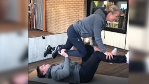 维汀哈斯与妻子的体能挑战,羡慕吗?不过你得先……