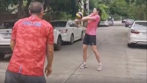 """普缇塔打排球,这是要""""转行""""了?"""