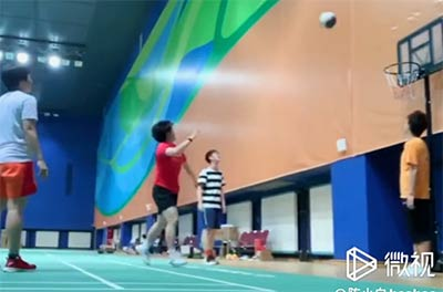 国羽女队员投篮大赛 猜猜谁最厉害?