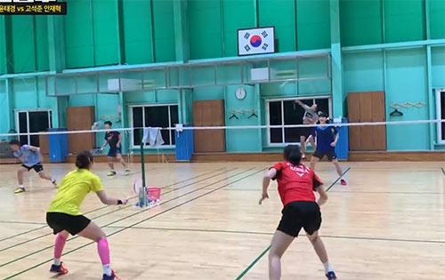 【低视角】韩国女双也太猛了!和男双对抗不落下风!