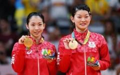 国羽劲敌高桥礼华突然宣布退役!放弃东京奥运