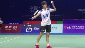 陈雨菲突击出色,发挥稳定3-1战胜何冰娇!