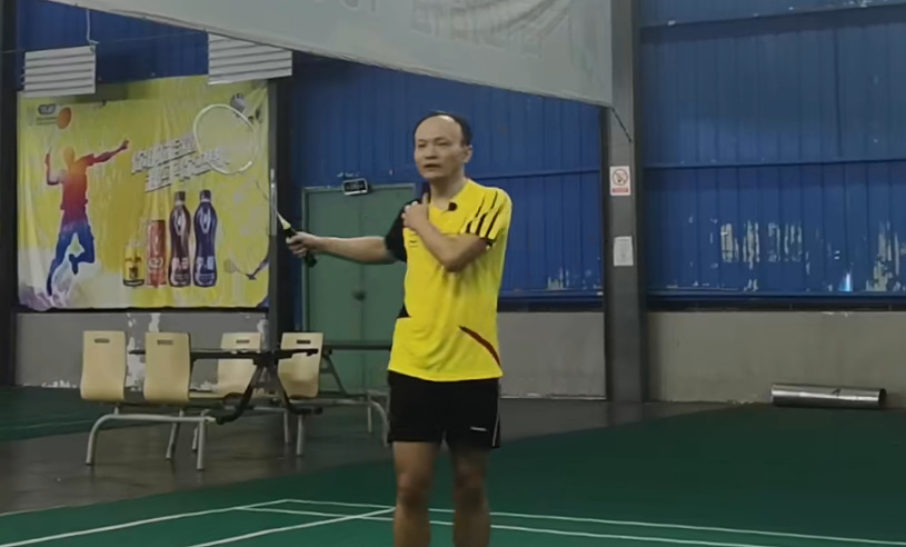 羽新知:正手底线如何抽球,才能化解被动局面?