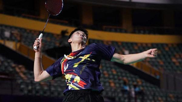 李诗沣VS翁泓阳 2021全运会羽毛球 男团资格赛视频