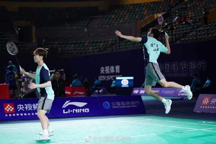 何济霆/陈颖颖VS胡超玮/刘圣书 2021全运会羽毛球 混双资格赛视频