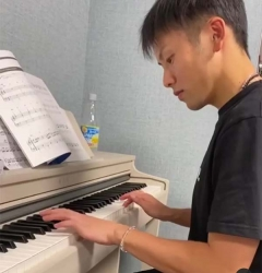 嘉村健士:学钢琴让我球技有提高,能开发两边大脑