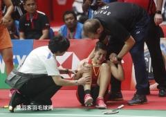 马琳受伤细节曝光!抱着左膝哭泣,曾想找巫师治疗
