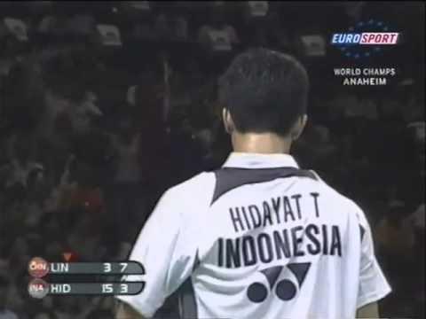 回顾2005世锦赛决赛,陶菲克2-0林丹成为首位大满贯!