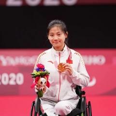 残奥会5金3银2铜!中国残疾人羽球队满载而归