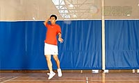 羽毛球步法:交叉步后场起跳