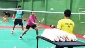 双打中前场如何连贯?看看东南亚的教练怎么教的!