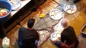 大马网红餐厅被爆臭水沟洗餐具,李宗伟是背后股东?