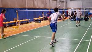 李龙大/金基正赛前热身,国羽队员抢镜